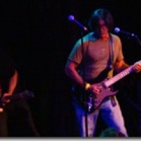 George Lynch and Keith St. John jamming with Jefferson Starship 7/27/2013