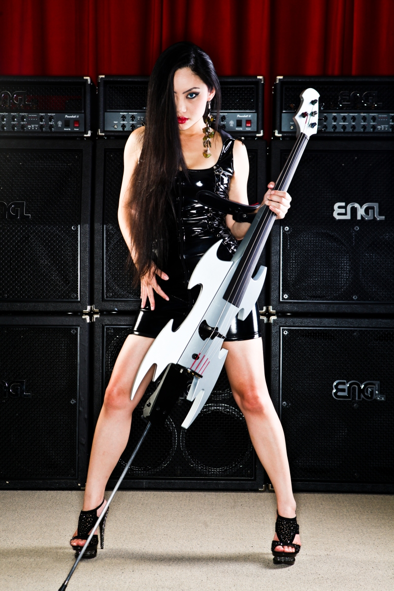 Cellist Tina Guo Announces Metal Album Featuring John 5 and Al DiMeola